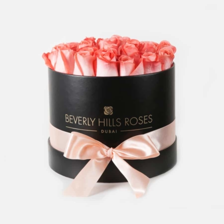 Peach roses in 'Blush' – Medium black box