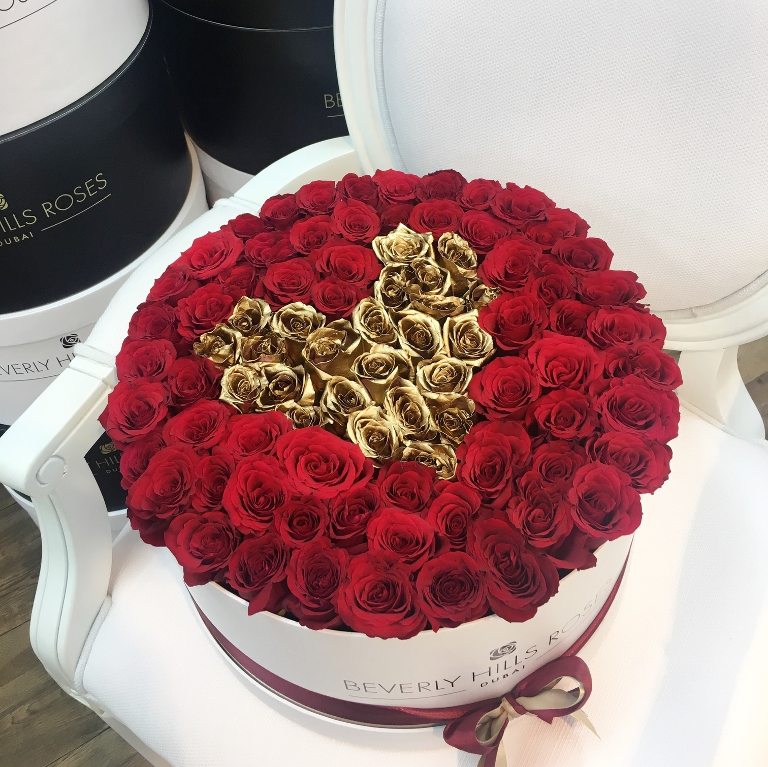 white rose box in love is gold