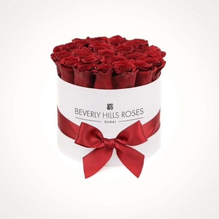 Red roses in 'Hollywood' – Small white box