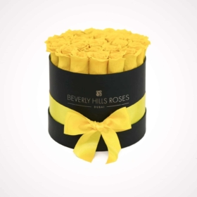 Yellow roses in 'Lemon' – Round Box