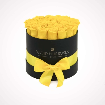 Yellow roses in 'Lemon' – Small black box