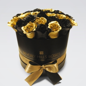 Black & Gold roses in 'Black Star'