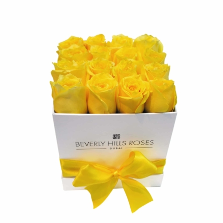 Yellow roses in 'Lemon' – Square white box