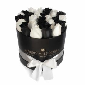 "Black Roses Dubai ""Elegance"" in Small Black Rose Box"