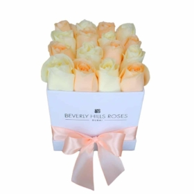 White & Peach roses in 'Pretty Woman' – Square box