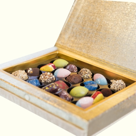 20 pcs Pralines Fancy Box Chocolates