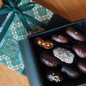Dark Chocolate Dates Classic Box