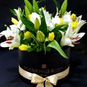 Lilies & Tulips in 'Glamour'
