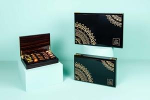Mixed Stuffed Dates in Arabian Wooden Box