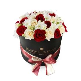 Red & Peach roses in 'Vanilla'